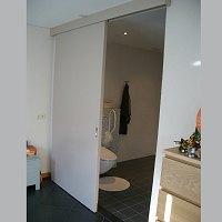 Zelfstandig wonen in fokuswoning voor motorisch gehandicapten - Schuifdeur deur ...